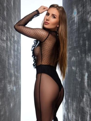 Michelle Leon - Photo: 7